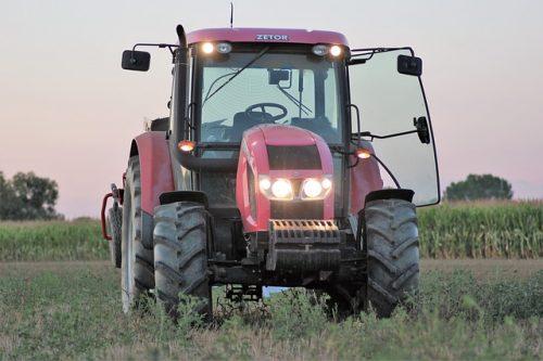 Mitas pneumatik pro zemědělské stroje